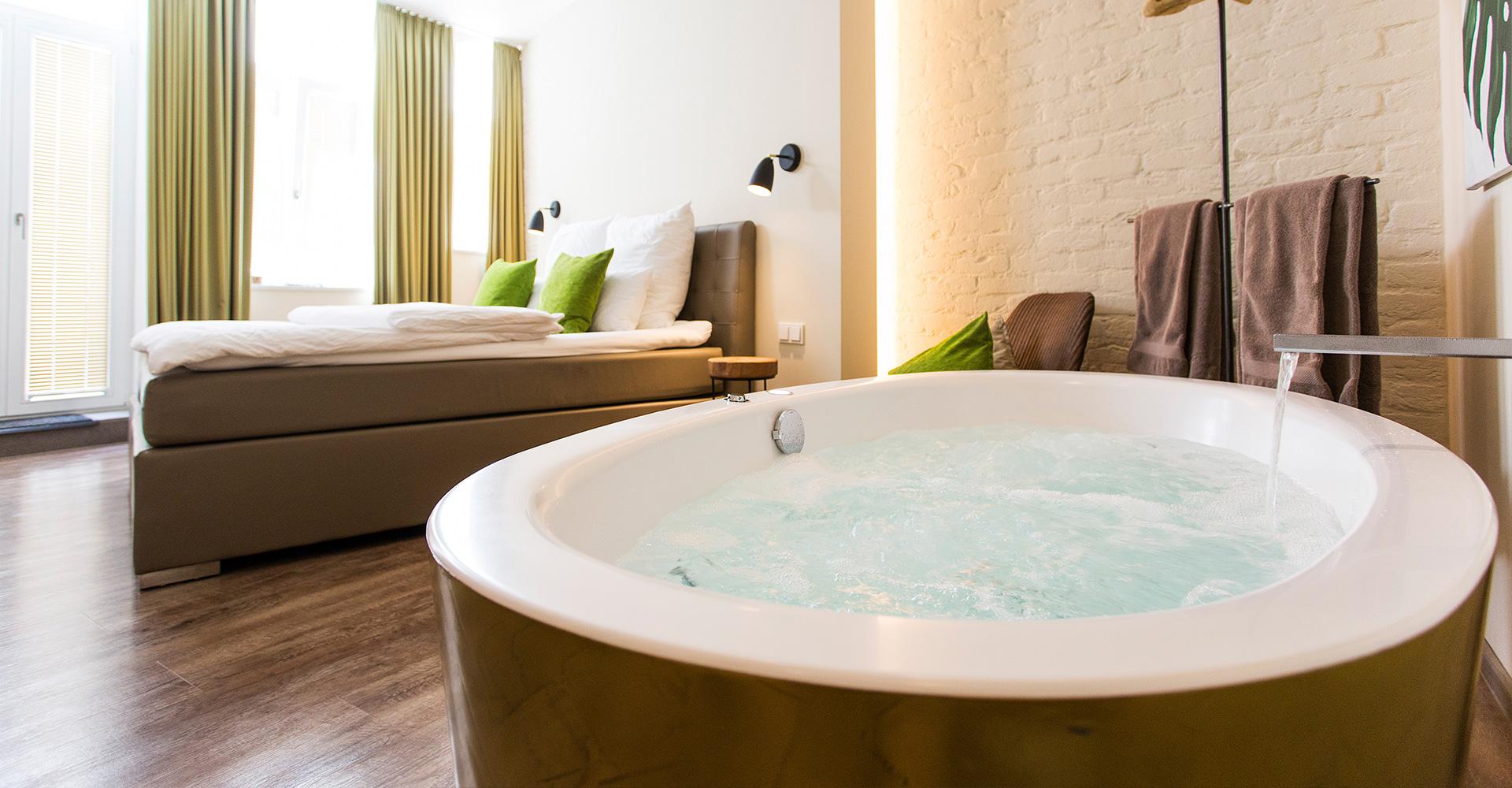 1st floor k ln einzigartige minihotels mit whirlpoolzimmern for Zimmer mit whirlpool nrw