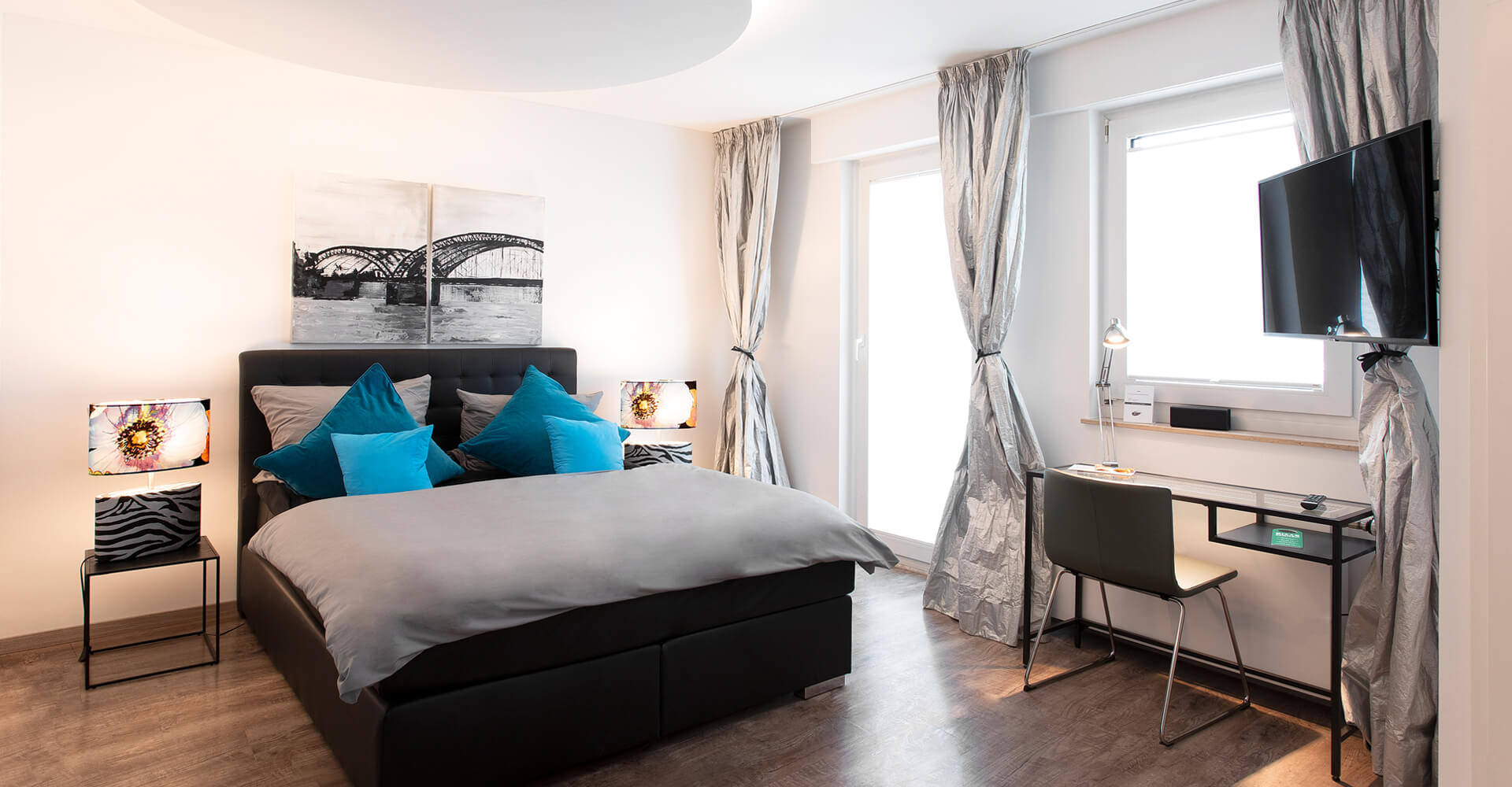 1st-floor-koeln-hotel-deluxe-einzelzimmer-header